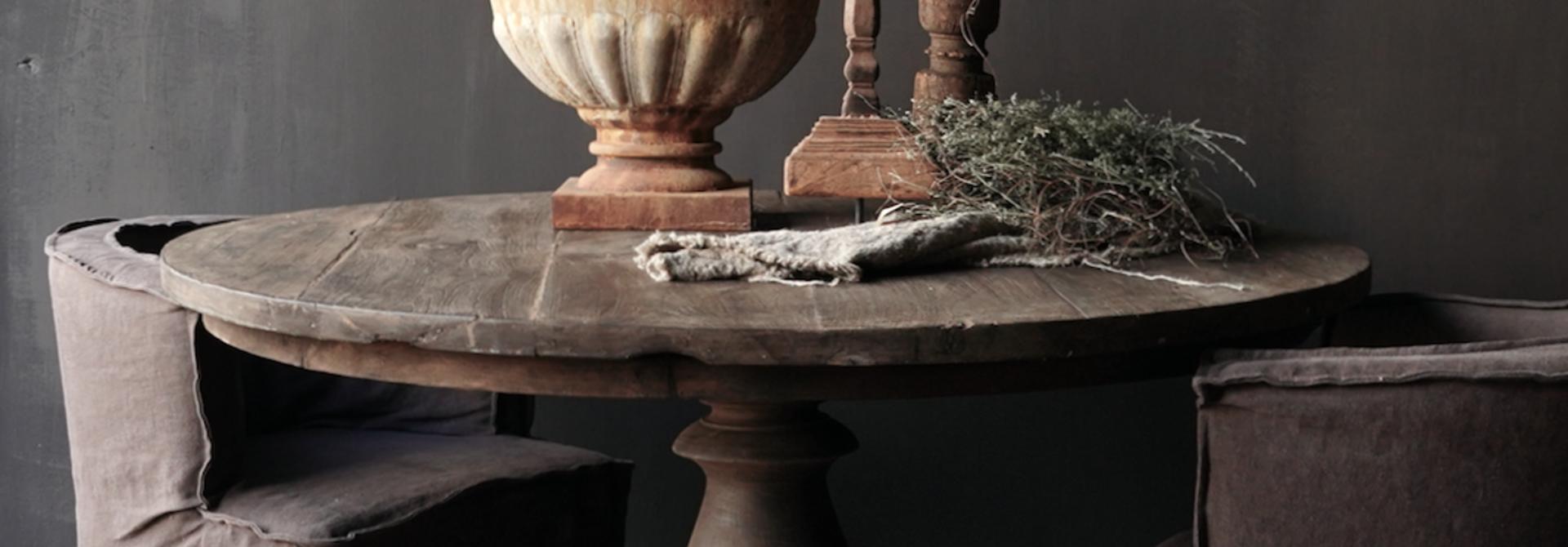 Stoer Robuust ronde tafel gemaakt van oud gebruikt hout