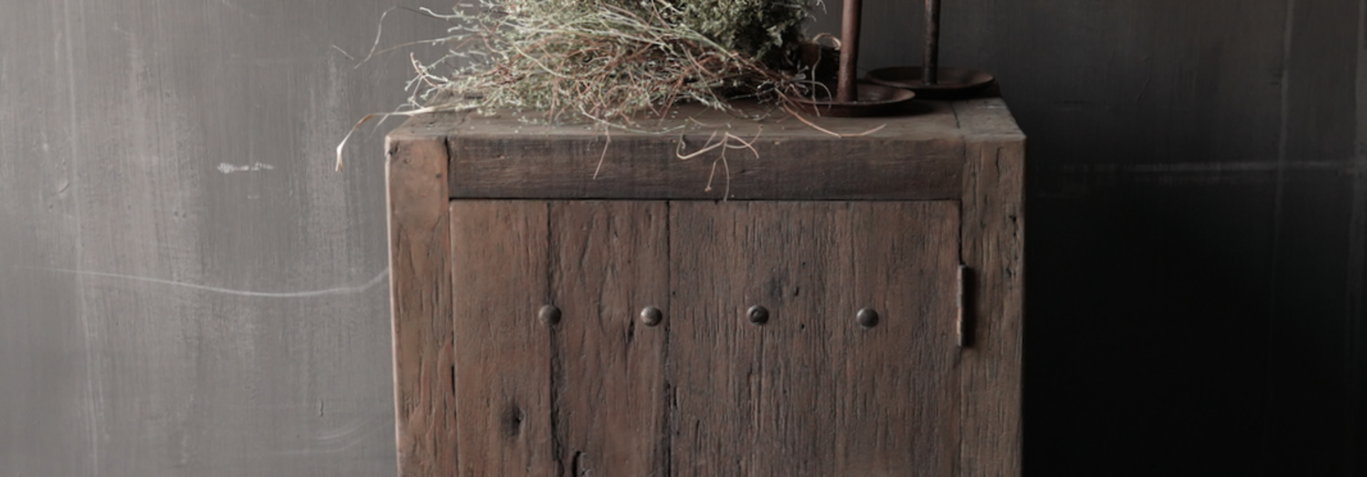 Tough one-door cabinet made of robust wood
