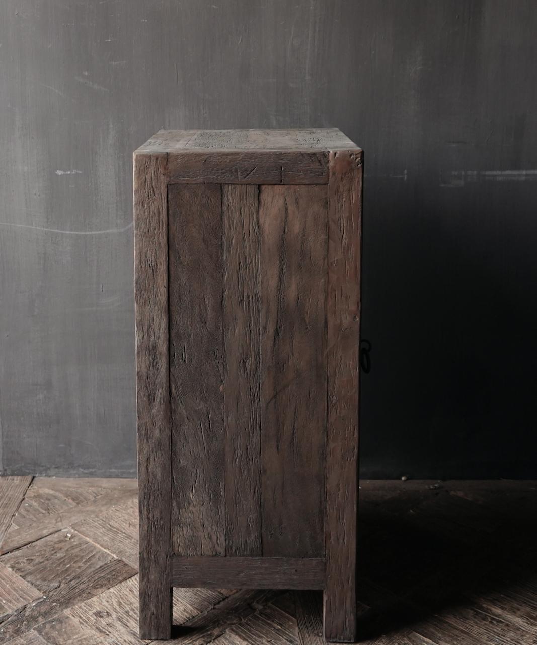 Stoer eendeurs  kastje  van robuust hout-5
