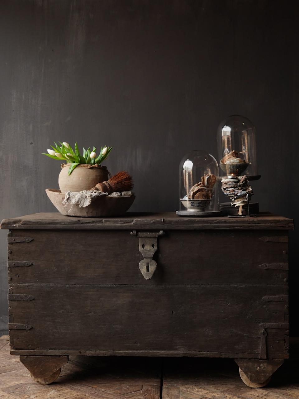 Oude Authentieke houten kist /side table-2