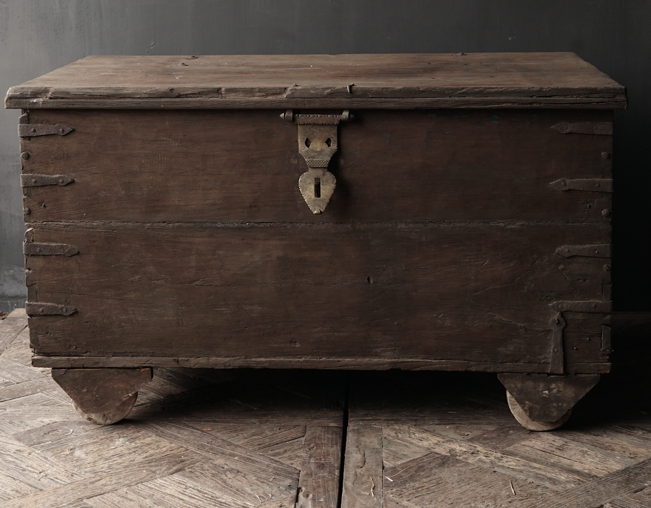 Old Authentic wooden box / side table-3