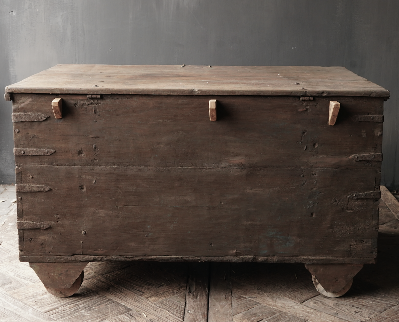 Old Authentic wooden box / side table-6