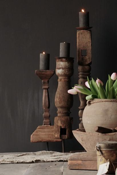 Hölzerner nepalesischer Kerzenhalter aus altem Ornament