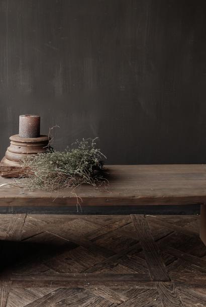 Salontafel van oud hout gemaakt