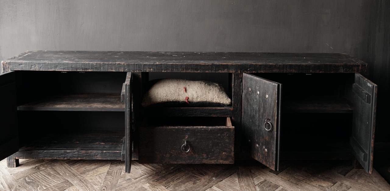 Stoer tv meubel  van oud  zwart/bruin robuust hout-4