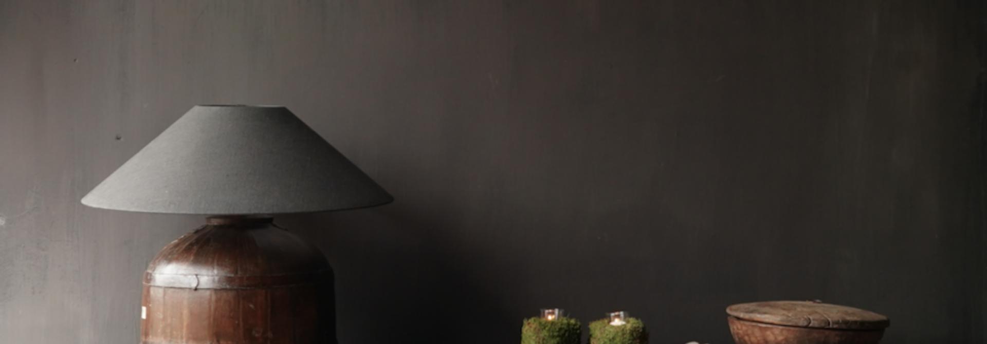 Stoer tv meubel  van oud  zwart/bruin robuust hout