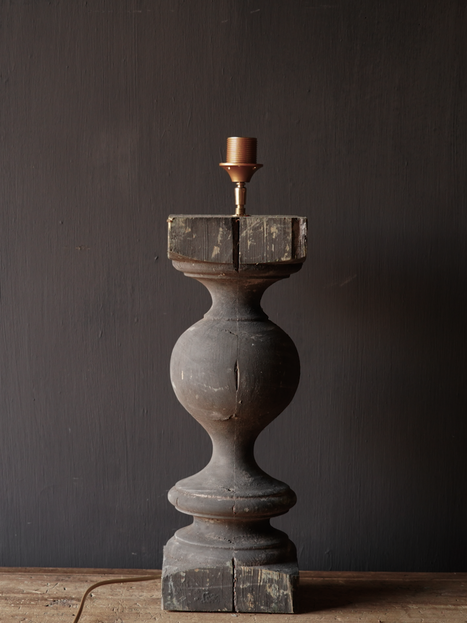 Old wooden baluster lamp-4