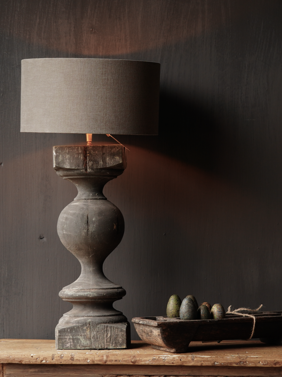 Old wooden baluster lamp-1