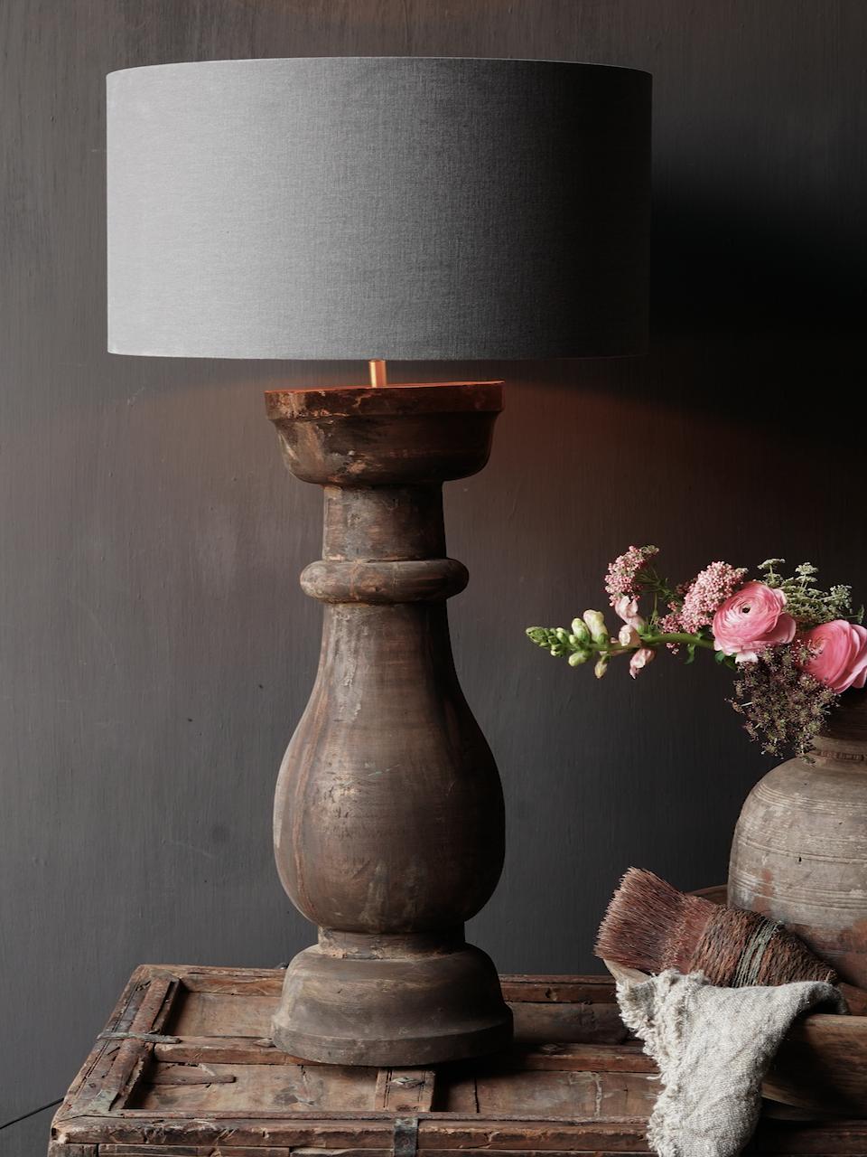 Stoer houten baluster Lamp voet-2