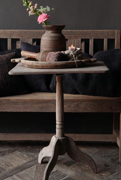 Authentiek Oud houten  rechthoekig Wijntafeltje