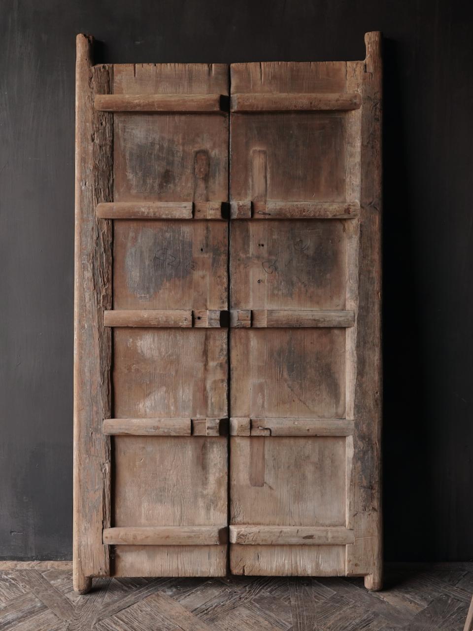 Alte indische Türen gesetzt-3