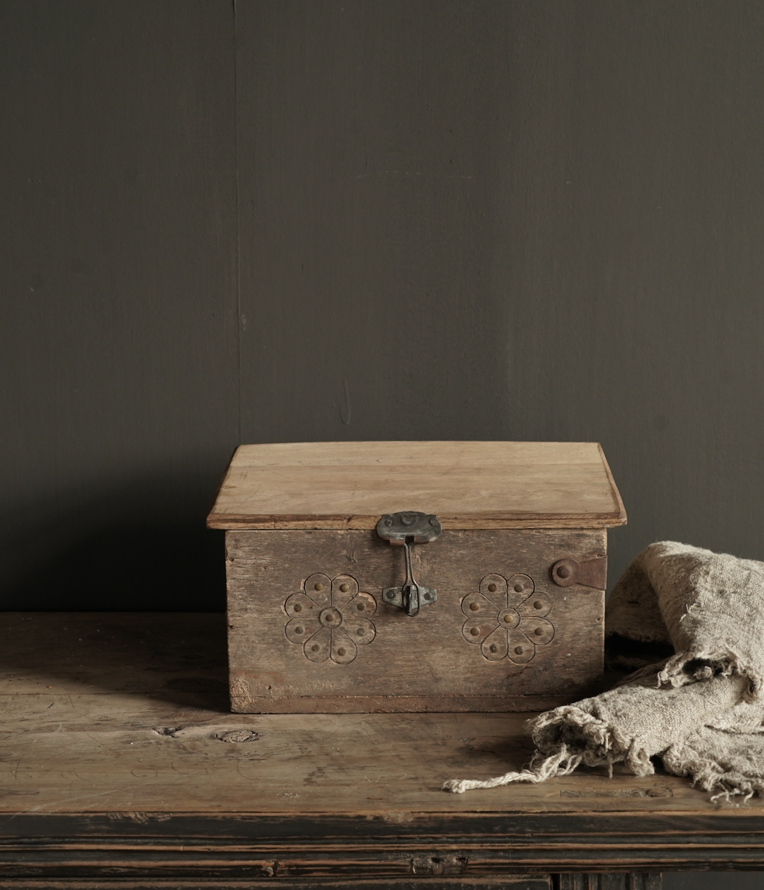 Old Authentic wooden box-1