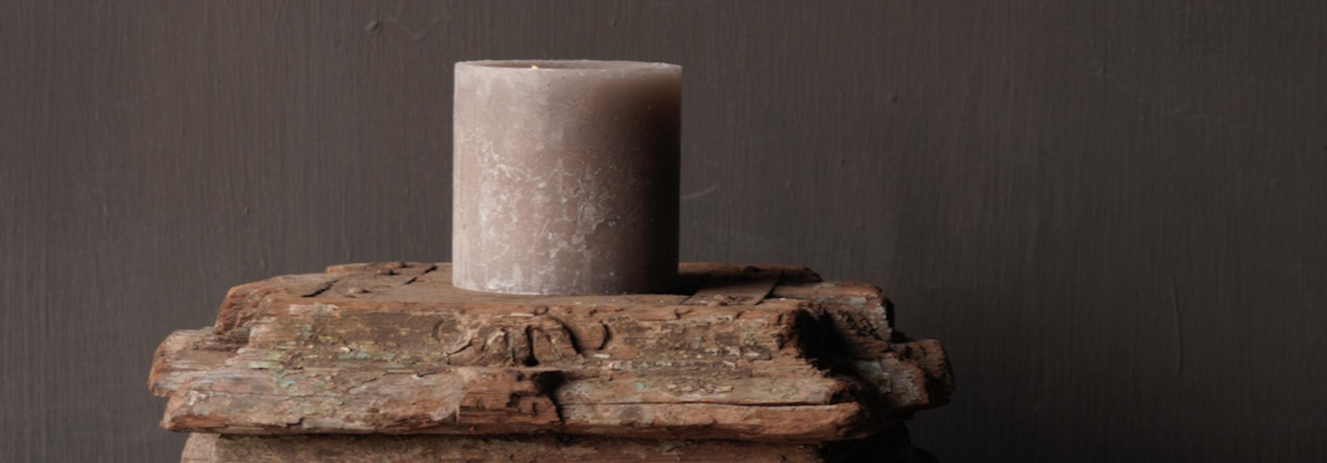 Alter authentischer reiner Kerzenhalter