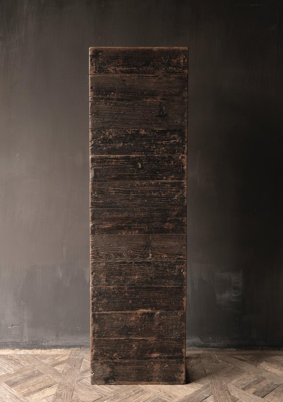 Salontafel van oude plankjes  met ijzeren onderstel-4