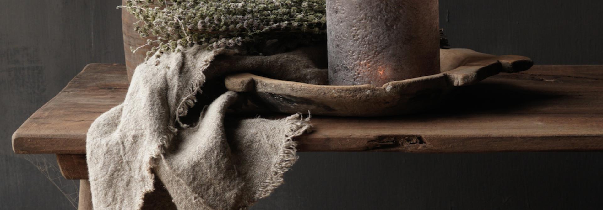 Couchtisch aus altem Holz