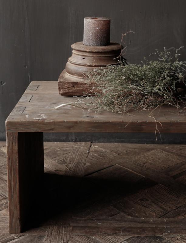 Couchtisch aus altem Holz-1