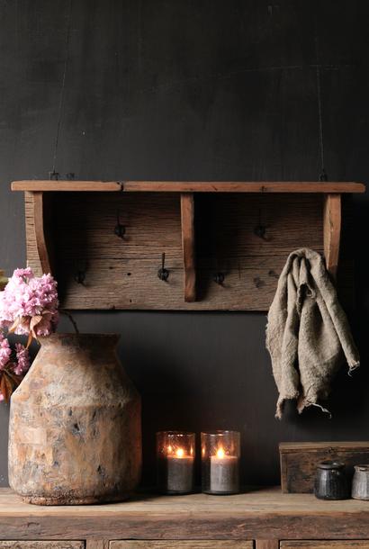 Kapstok / Wand console  gemaakt van oud gebruikt hout met ijzeren haken