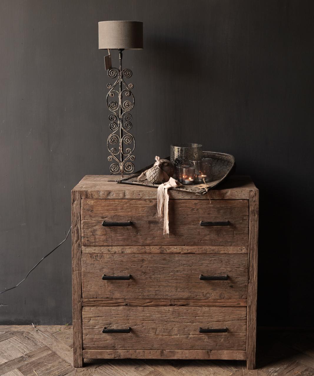 Robuust Oud houten lade kastje-1