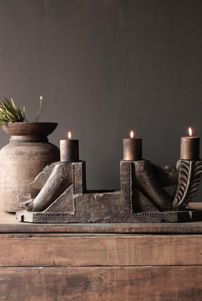 Kerzenhalter der alten Verzierung