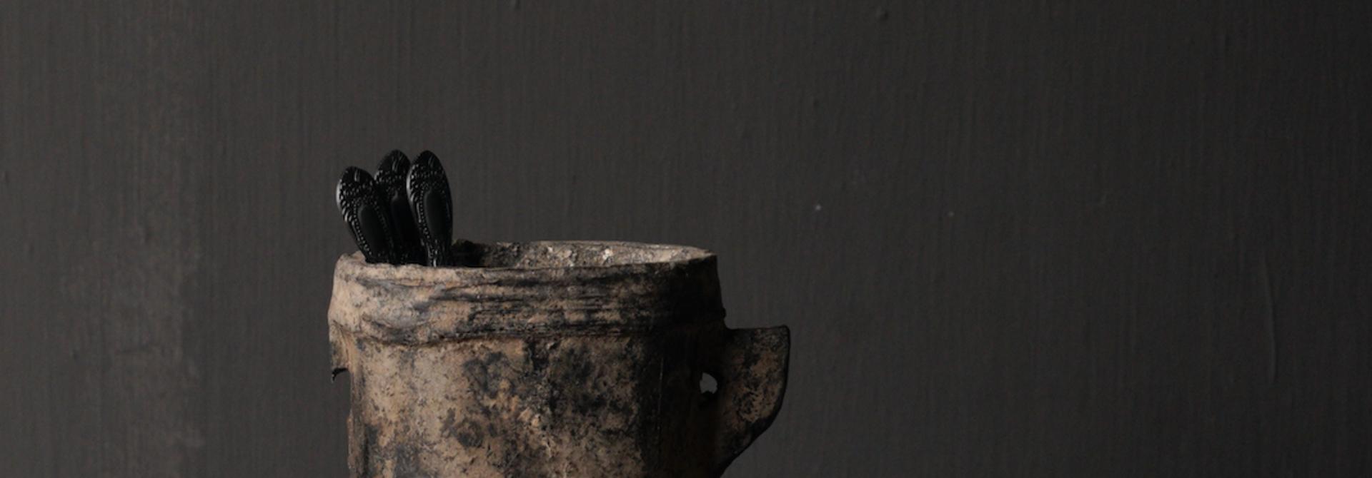 Kleiner sehr alter hölzerner Küchentopf - Kopie