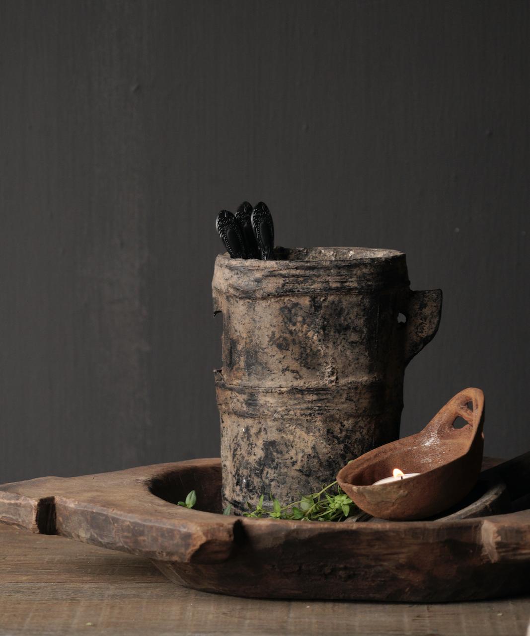 Kleiner sehr alter hölzerner Küchentopf - Kopie-2