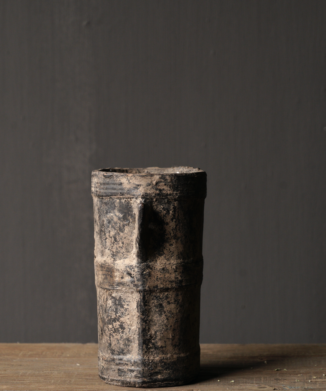 Kleiner sehr alter hölzerner Küchentopf - Kopie-3