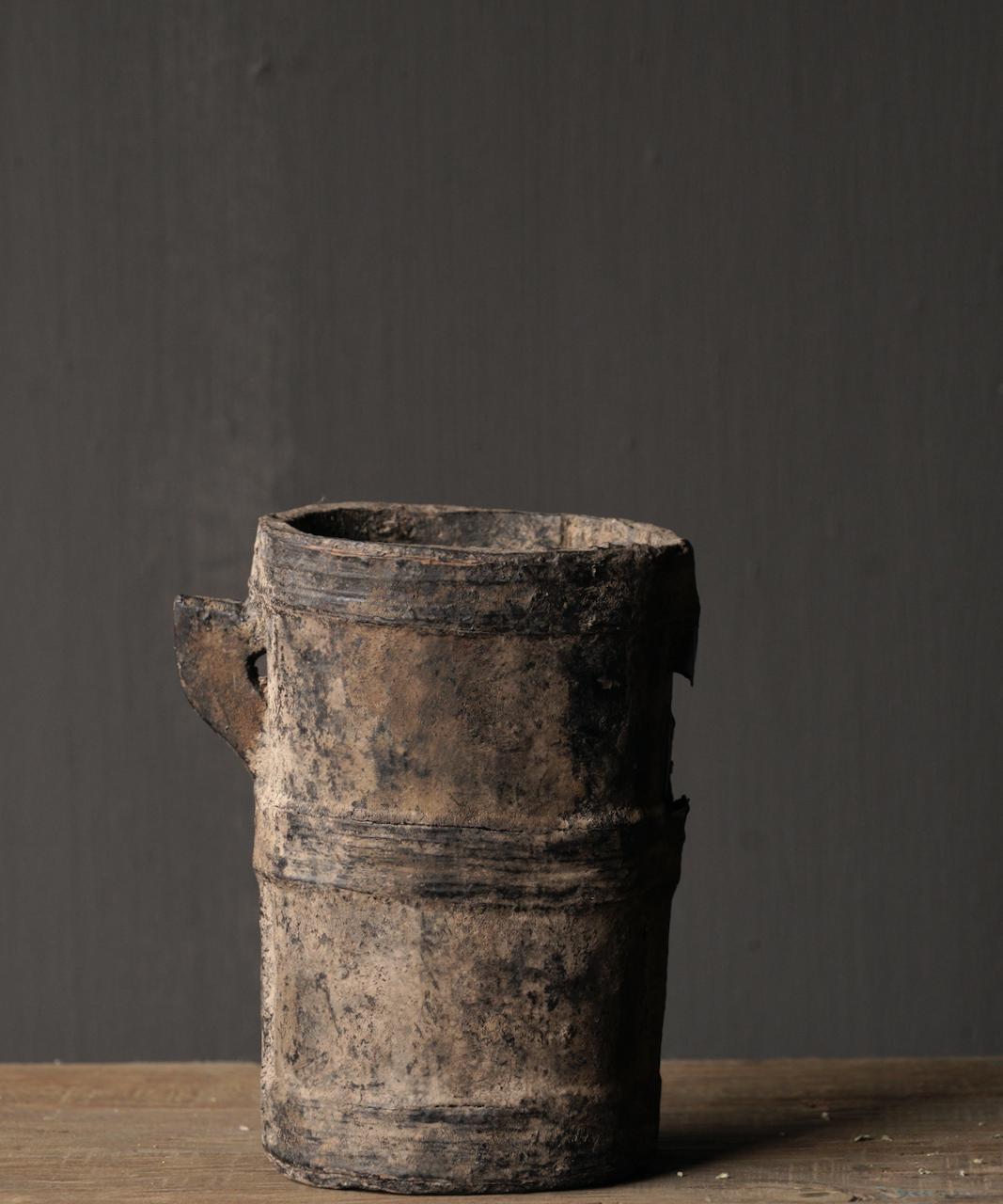 Kleiner sehr alter hölzerner Küchentopf - Kopie-4