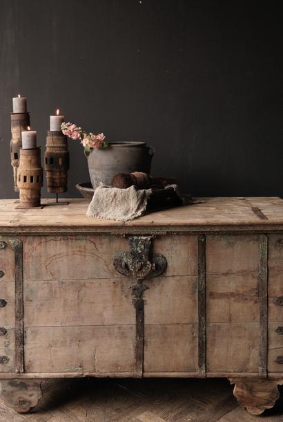 Oude Authentieke houten kist /side table  XXL - Copy