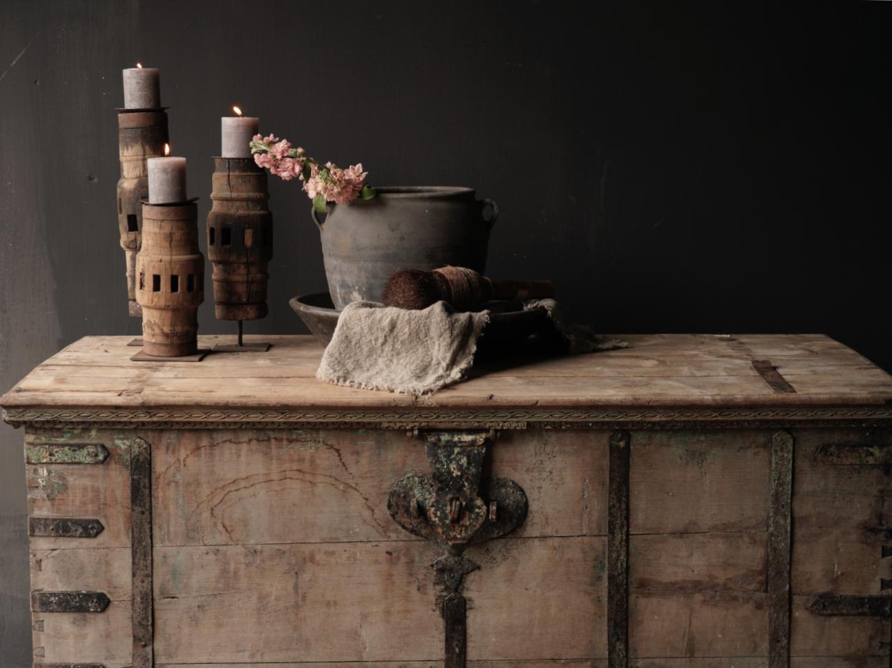 Oude Authentieke houten kist /side table XXL - Copy-2