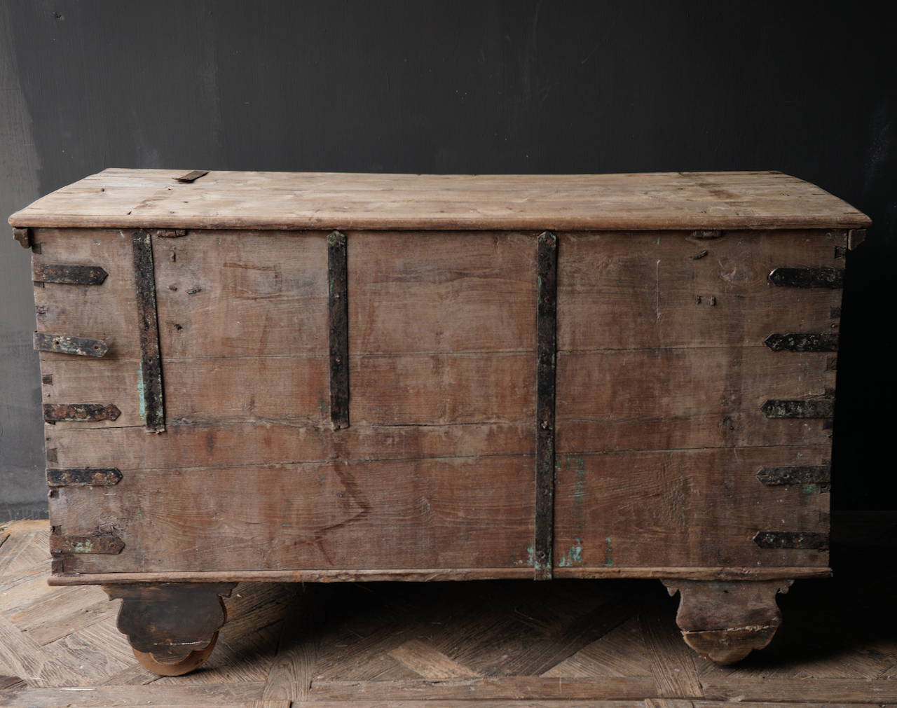 Oude Authentieke houten kist /side table XXL - Copy-6