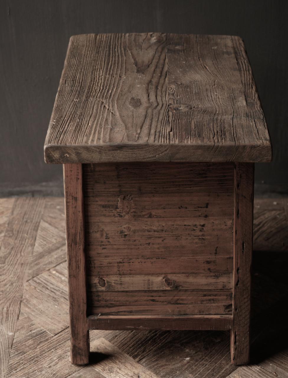 Alter Treibholzholzschrank oder Nachttisch mit Schublade-3