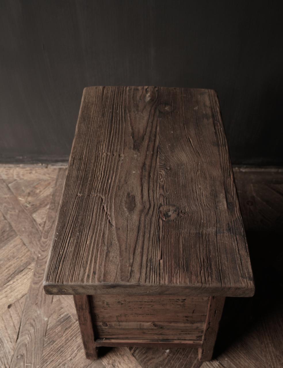 Alter Treibholzholzschrank oder Nachttisch mit Schublade-4