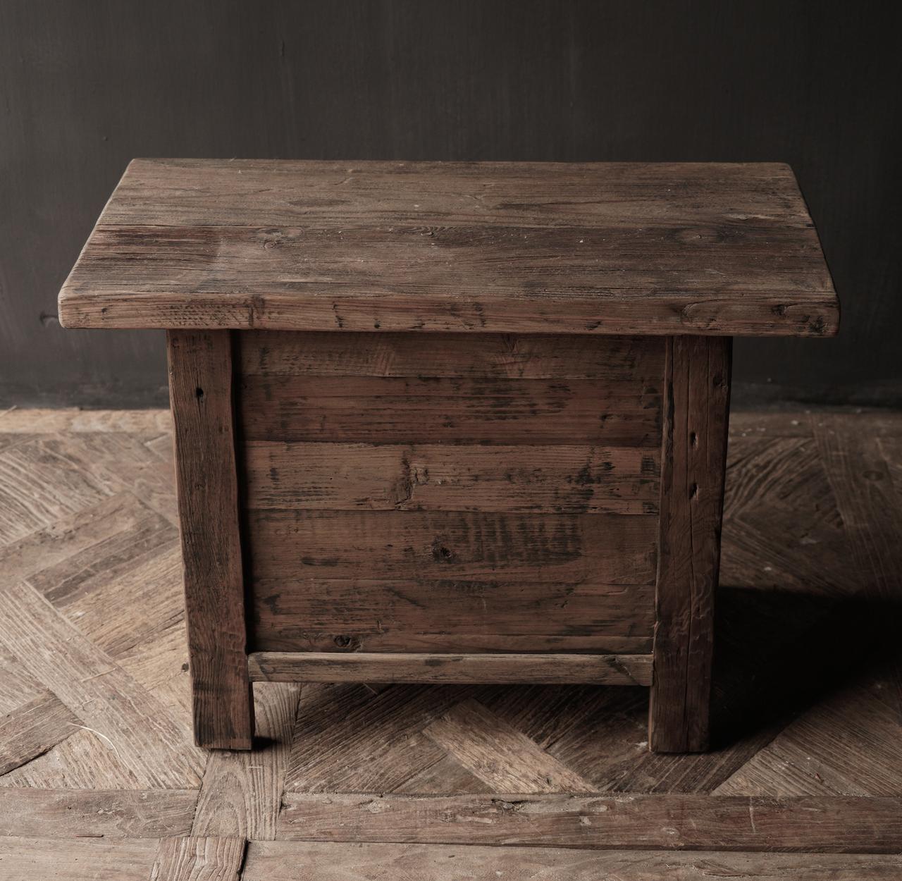 Alter Treibholzholzschrank oder Nachttisch mit Schublade-5