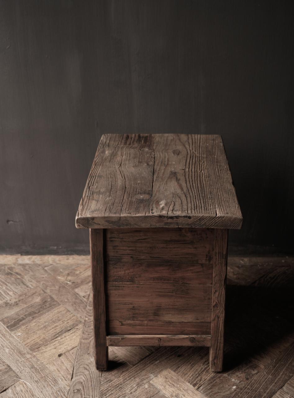Alter Treibholzholzschrank oder Nachttisch mit Schublade-6