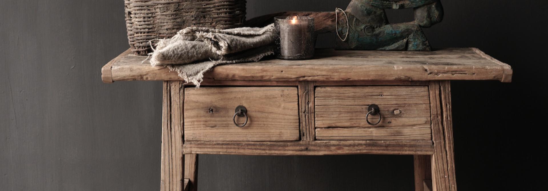 Authentischer einzigartiger alter schmaler Beistelltisch / Wandtisch