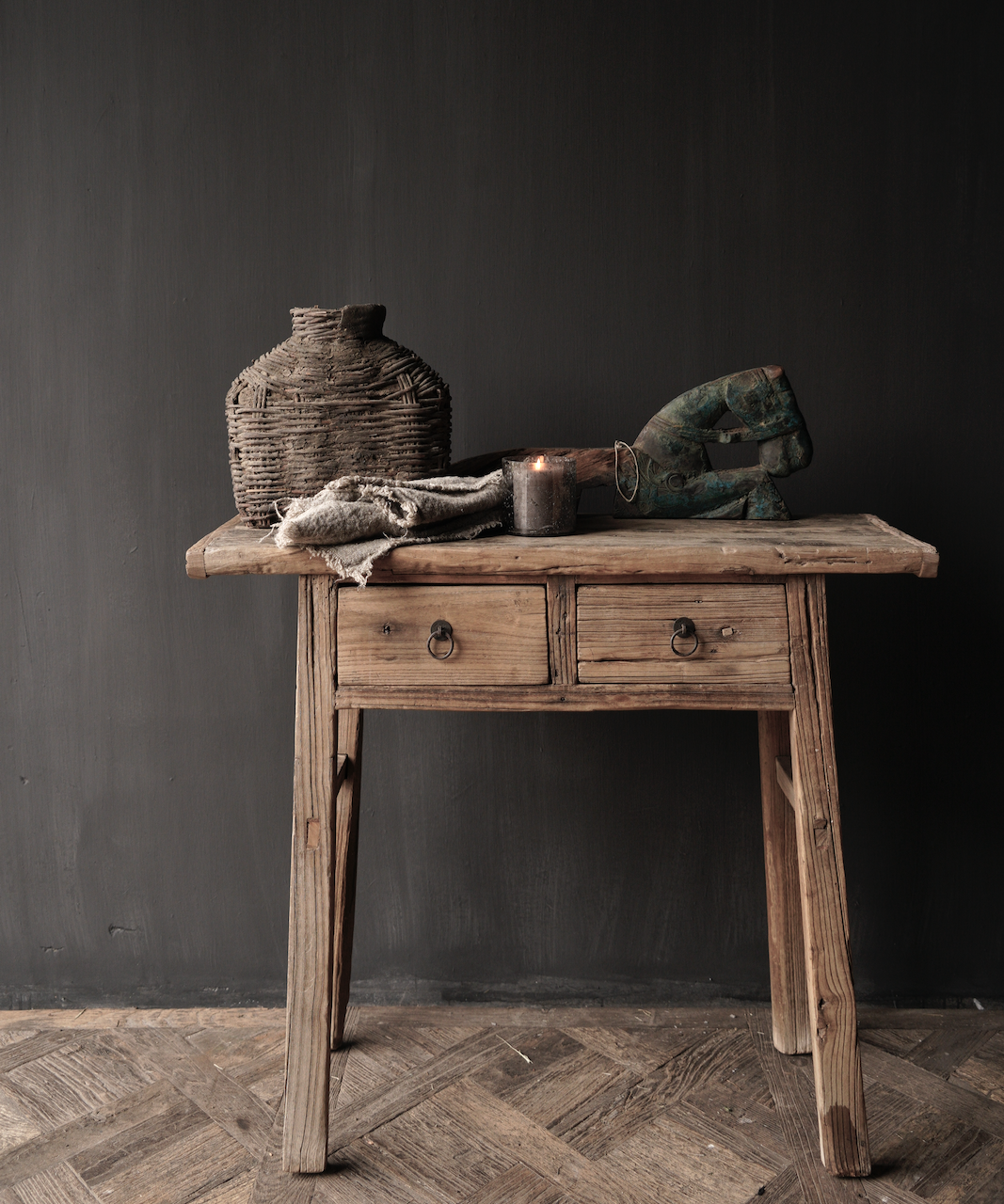Authentischer einzigartiger alter schmaler Beistelltisch / Wandtisch-1