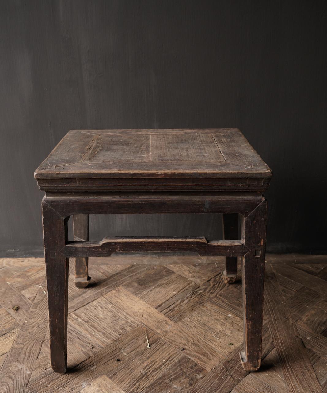 Altes authentisches hölzernes Salon- / Beistelltischquadrat Einzigartiges Einzelteil-7
