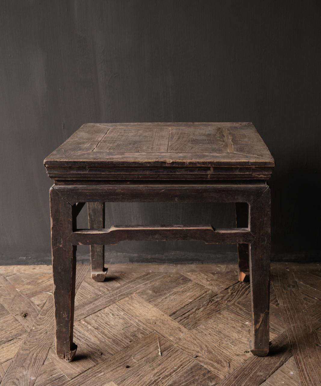 Altes authentisches hölzernes Salon- / Beistelltischquadrat Einzigartiges Einzelteil-9