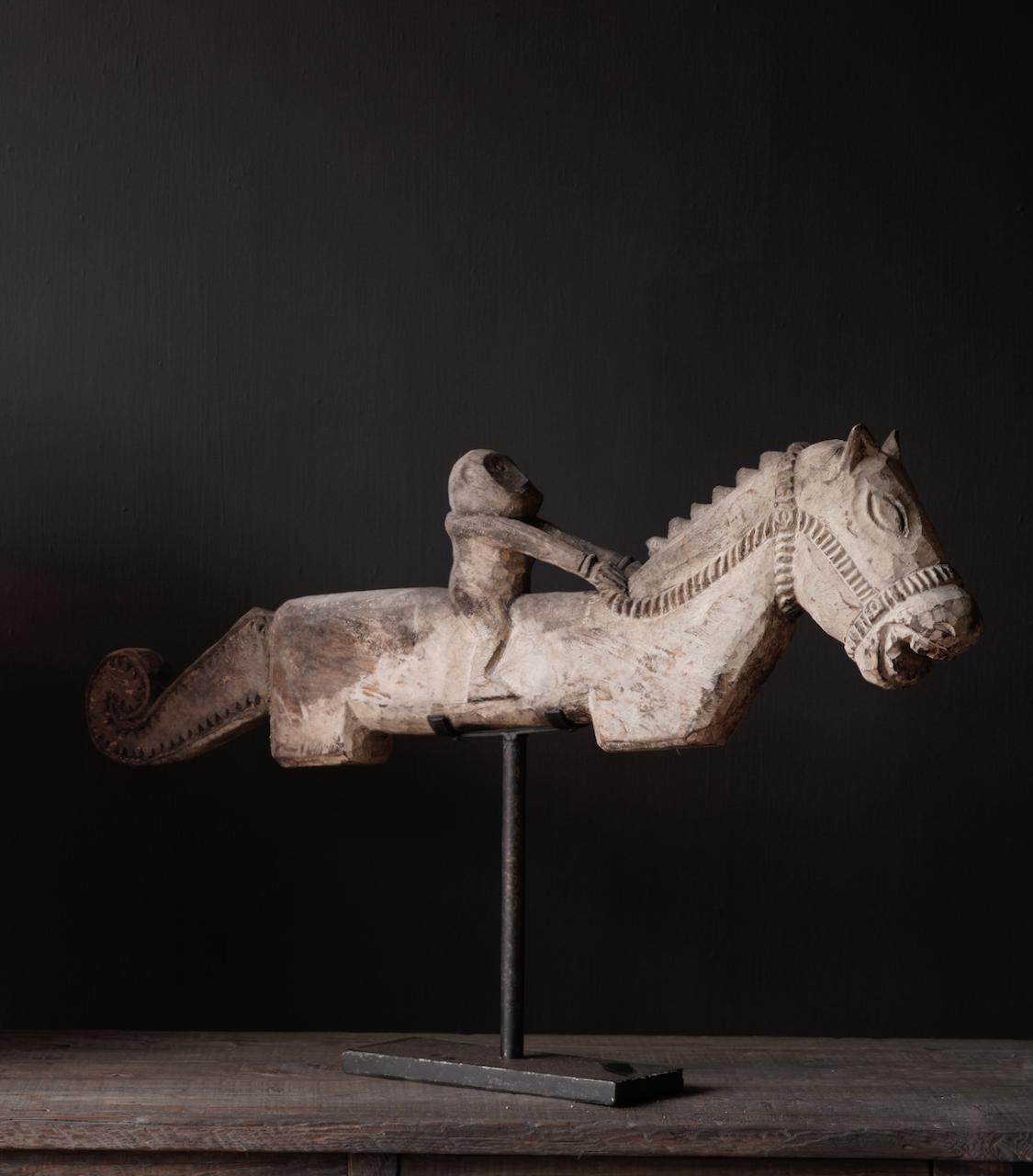 Oud Uniek houten paard op ijzeren standaard-2