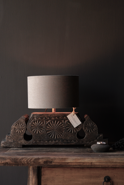 Table lamp made of old ornament