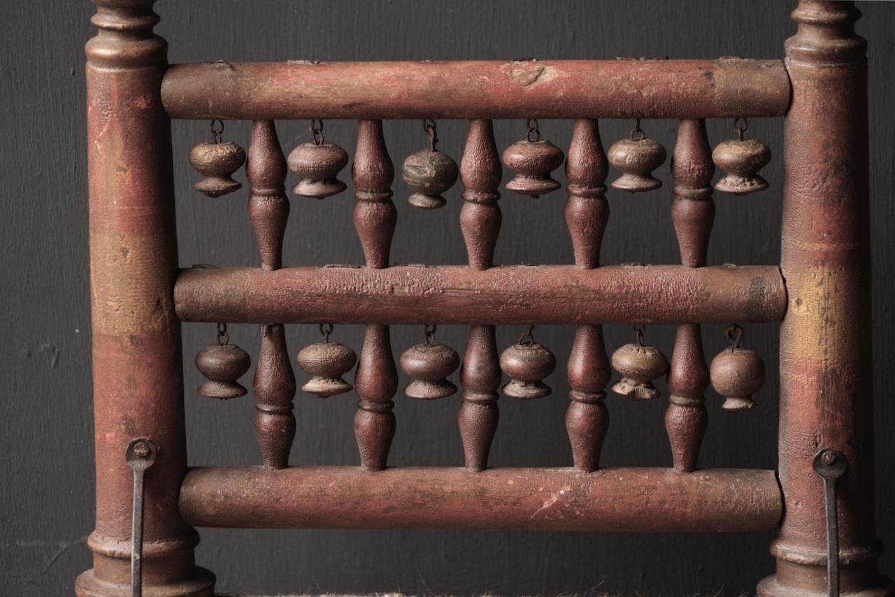 Authentiek oud Uniek laag stoeltje-4