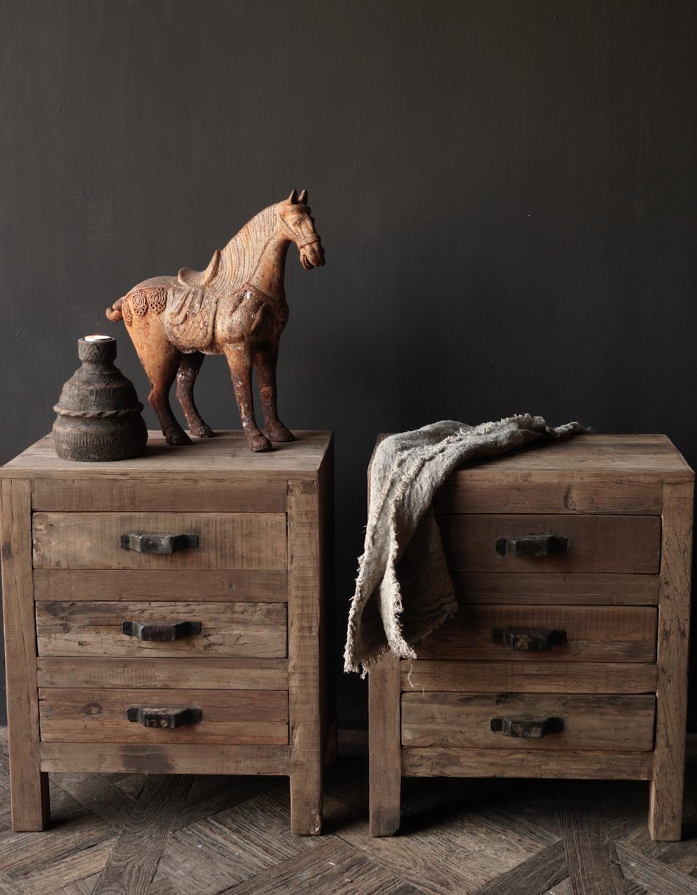 Oud driftwood houten kastje   oftewel nachtkastje met lades-2