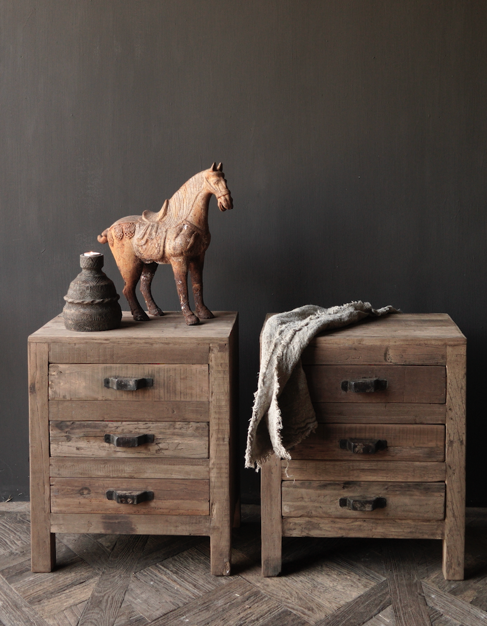 Oud driftwood houten kastje   oftewel nachtkastje met lades-1