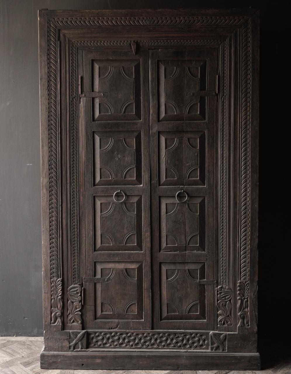 Oude Unieke Indische ( Wabi Sabi) kast twee deurs-4