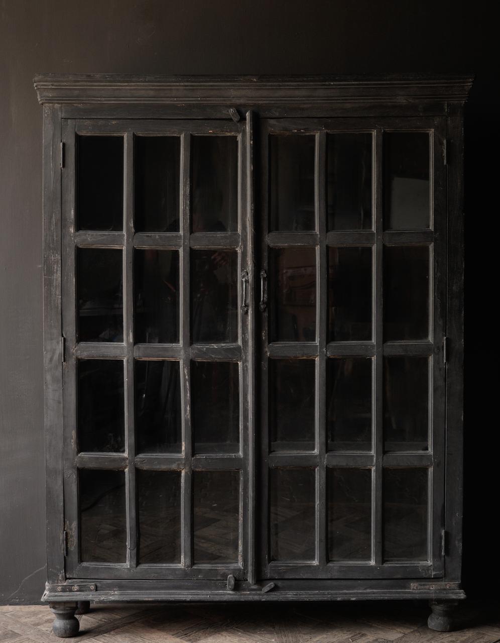 Stoer Indisch antiek houten Vitrine kast-3