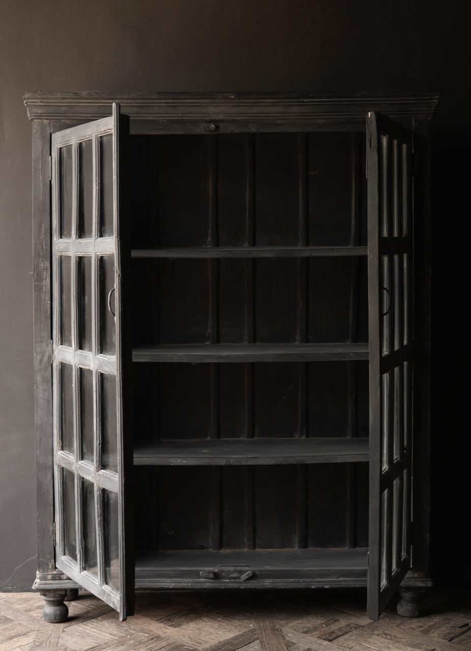 Stoer Indisch antiek houten Vitrine kast-4