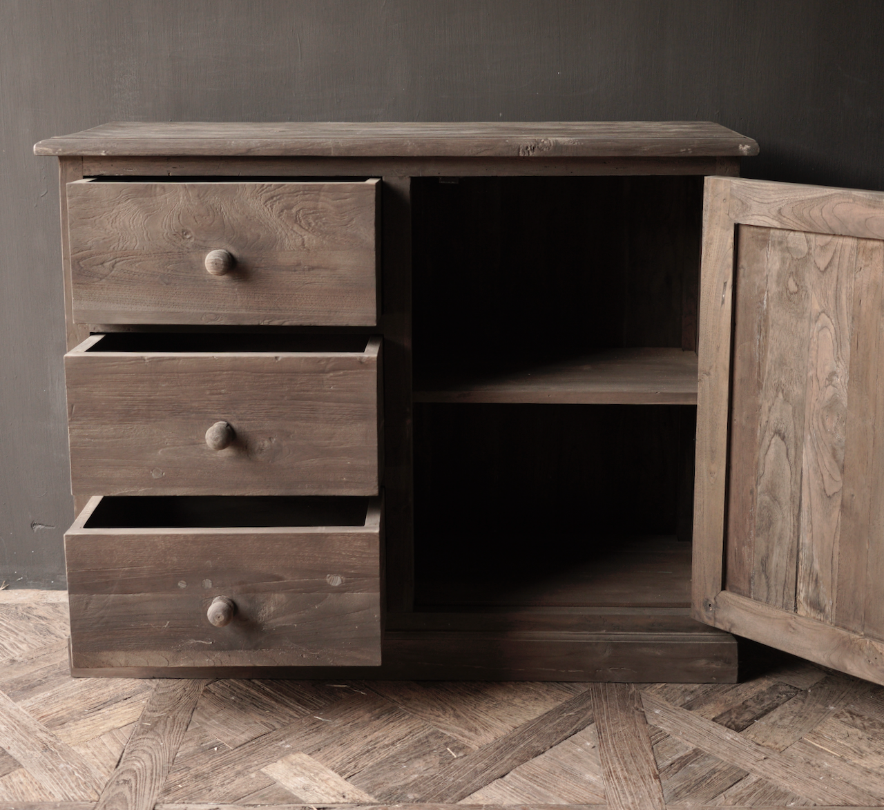 Alte Holzkommode mit Tür Lieke-4