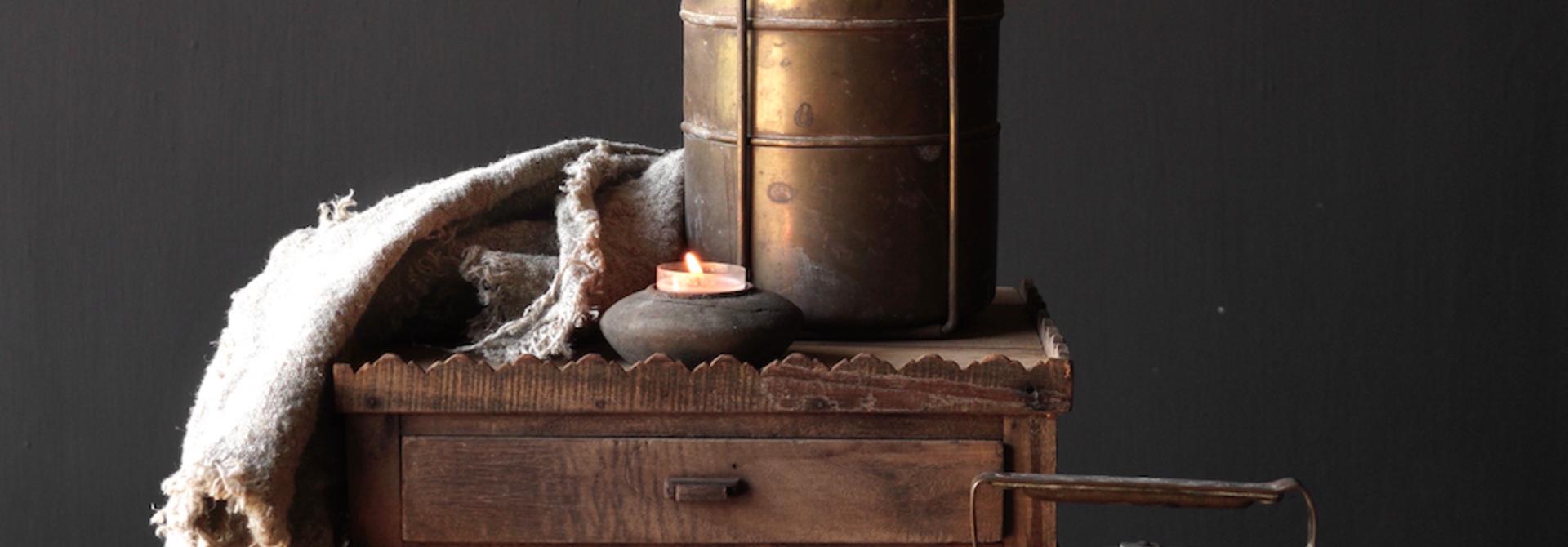 Antike indische Brotdose aus Kupfer