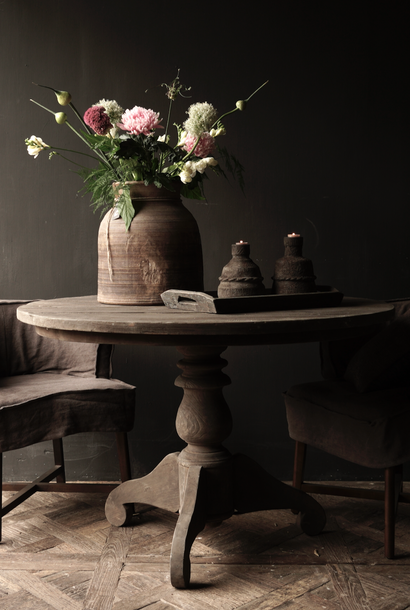 Tough robust round dark wooden table 120ø and 130ø