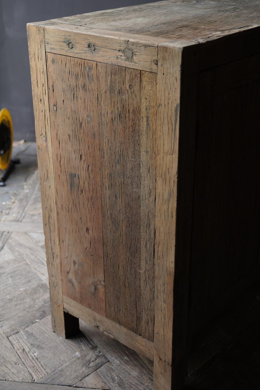 Prachtig  vergrijsd  Stoer  oud houten Dressoir met vier deurtjes-4